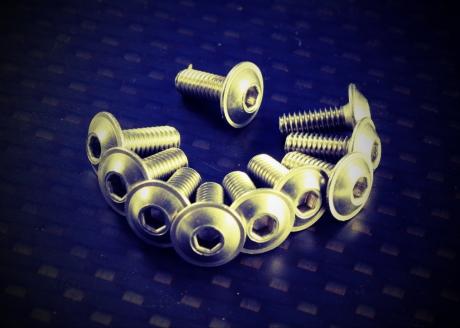 Screws - Nuts & Co.