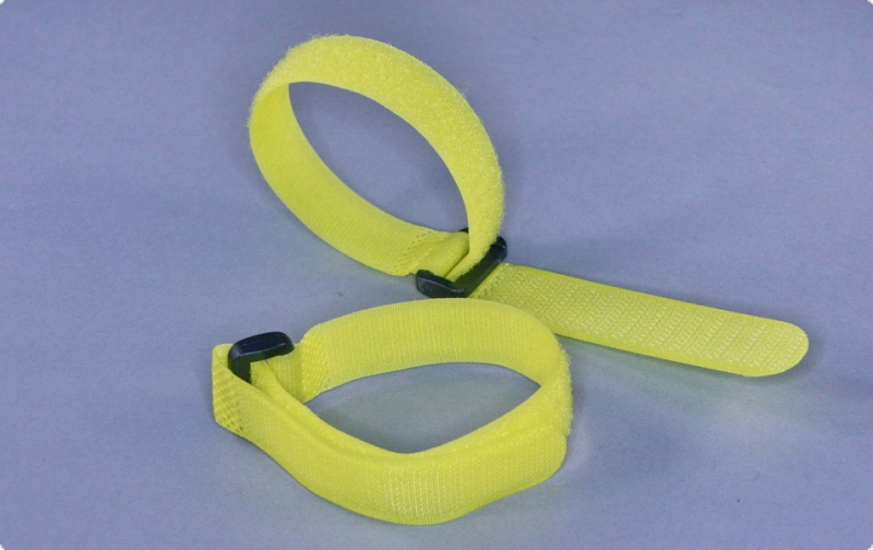 Cable ties with diverting loop, detachable